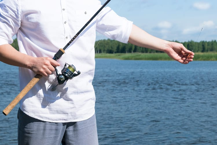 7 Essential Saltwater Fishing Lures That Catch Fish Anywhere 2