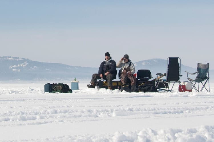 Ice Fishing with a Flasher: How to Read an Ice Fishing Flasher 1