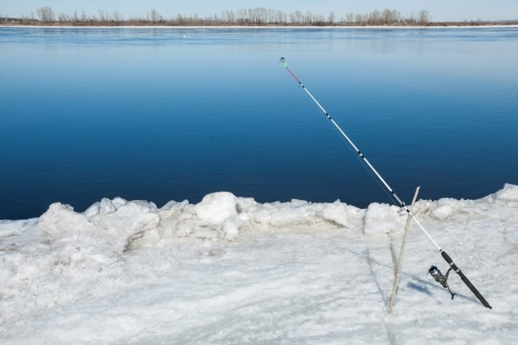 Mobile Ice Fishing Tips – Catch Fish All Winter 2