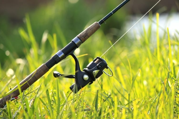 How to Put Fishing Line on a Reel – 3 Options to Know 1