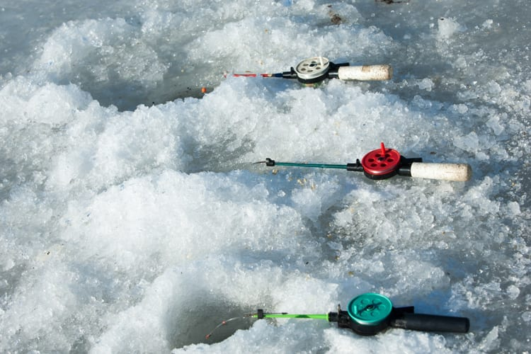 Winter Fishing with Ice Fishing Sonar – All You Need to Know 1